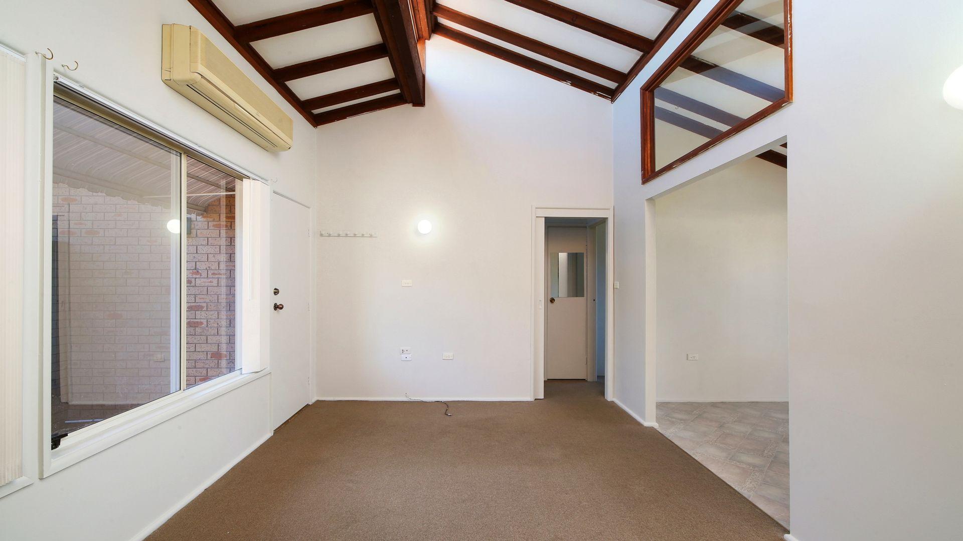 2/10 Kalulah Avenue, Gorokan NSW 2263, Image 1