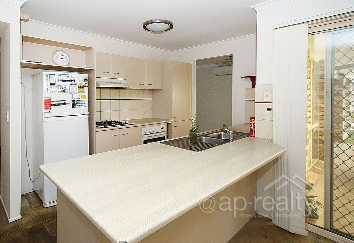 3 Lakeside Crescent, Forest Lake QLD 4078, Image 2