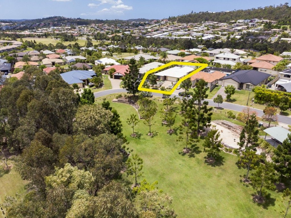 7 Irvine Street, Pacific Pines QLD 4211, Image 0