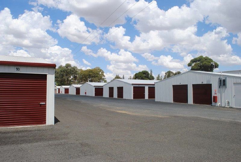 4 Chillingworks Road, Young NSW 2594, Image 1