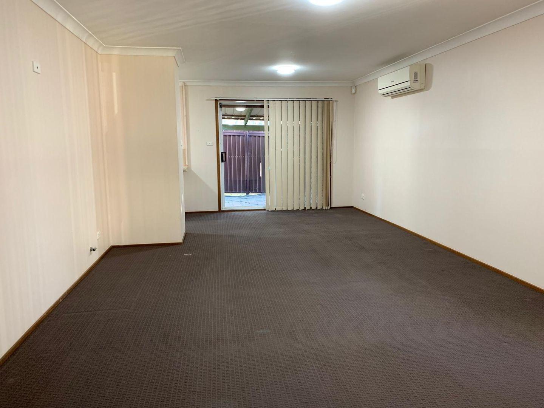 8/31 Perigee Close, Doonside NSW 2767, Image 1
