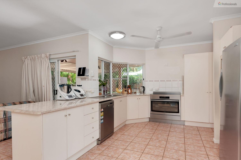 11 Compton Court, Bentley Park QLD 4869, Image 2