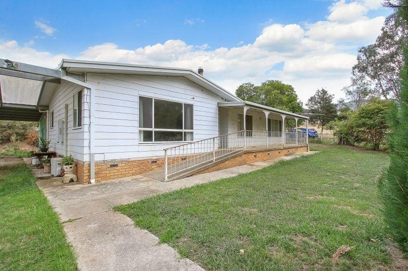 2054 Lockharts Gap Rd, Tallandoon VIC 3701, Image 1