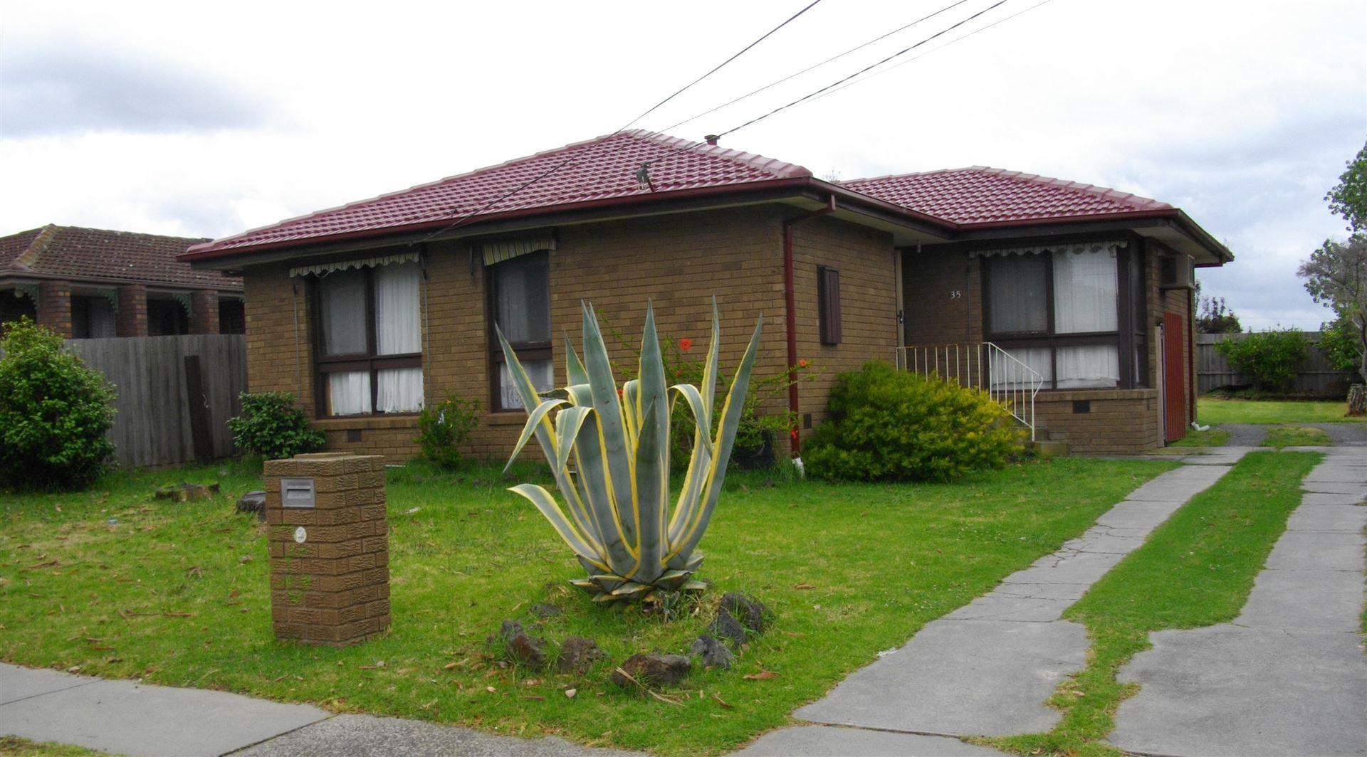 35 Bundeena Avenue, Keysborough VIC 3173, Image 0