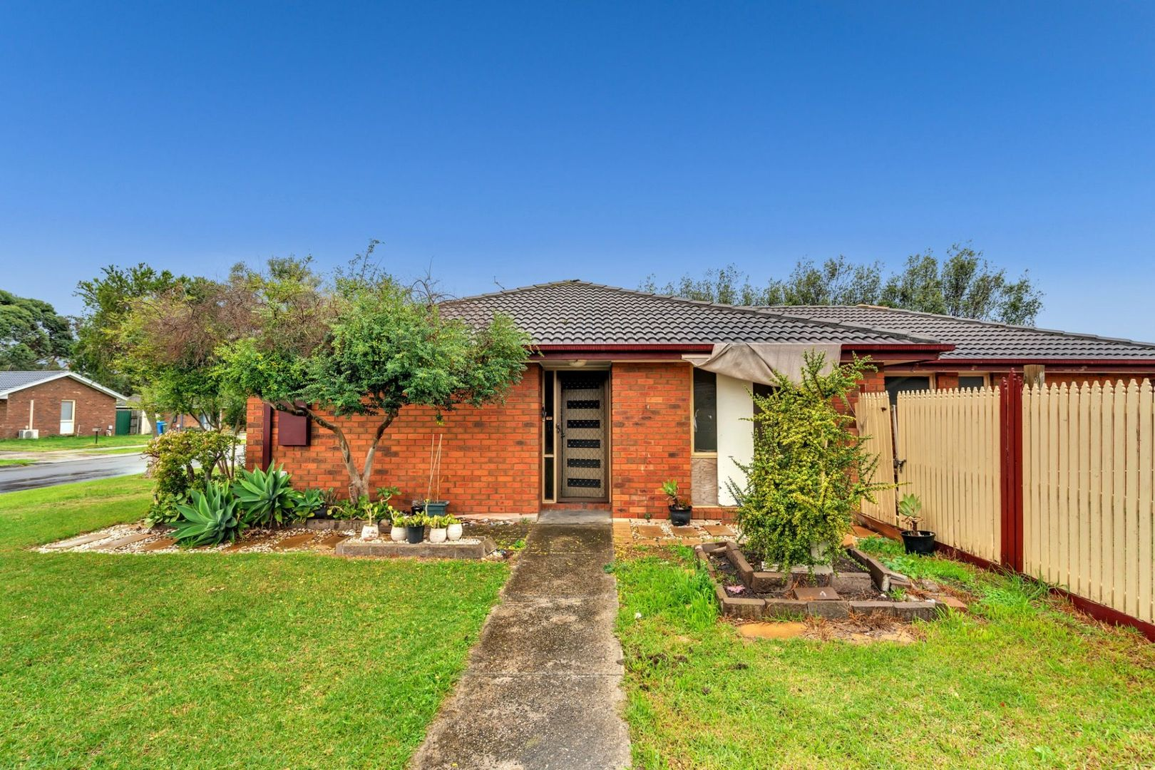 109 Gipps Crescent, Cranbourne North VIC 3977, Image 2