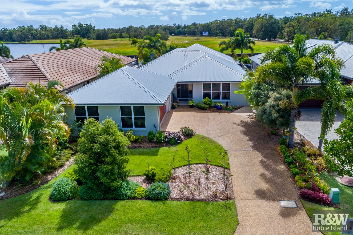 19 The Landing, Banksia Beach QLD 4507, Image 1
