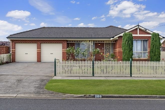 Picture of 206 Russell Street, DENNINGTON VIC 3280
