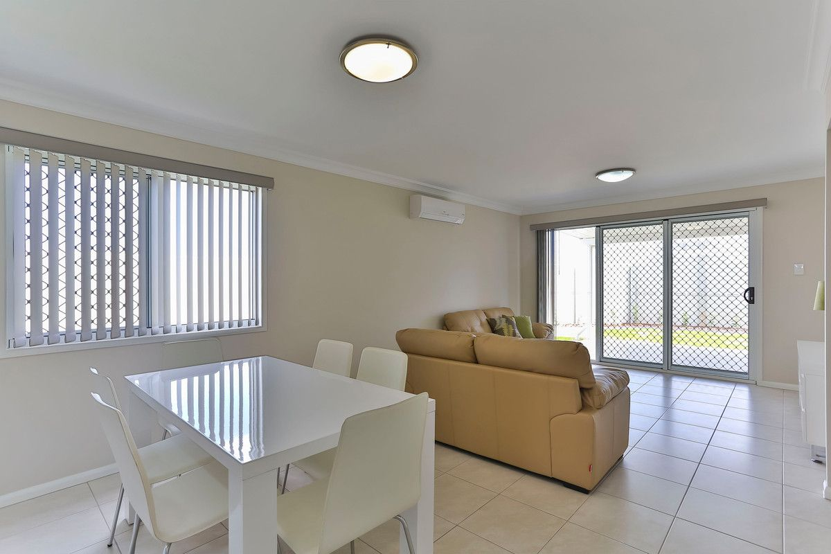9 Whitley Court, Glenvale QLD 4350, Image 2