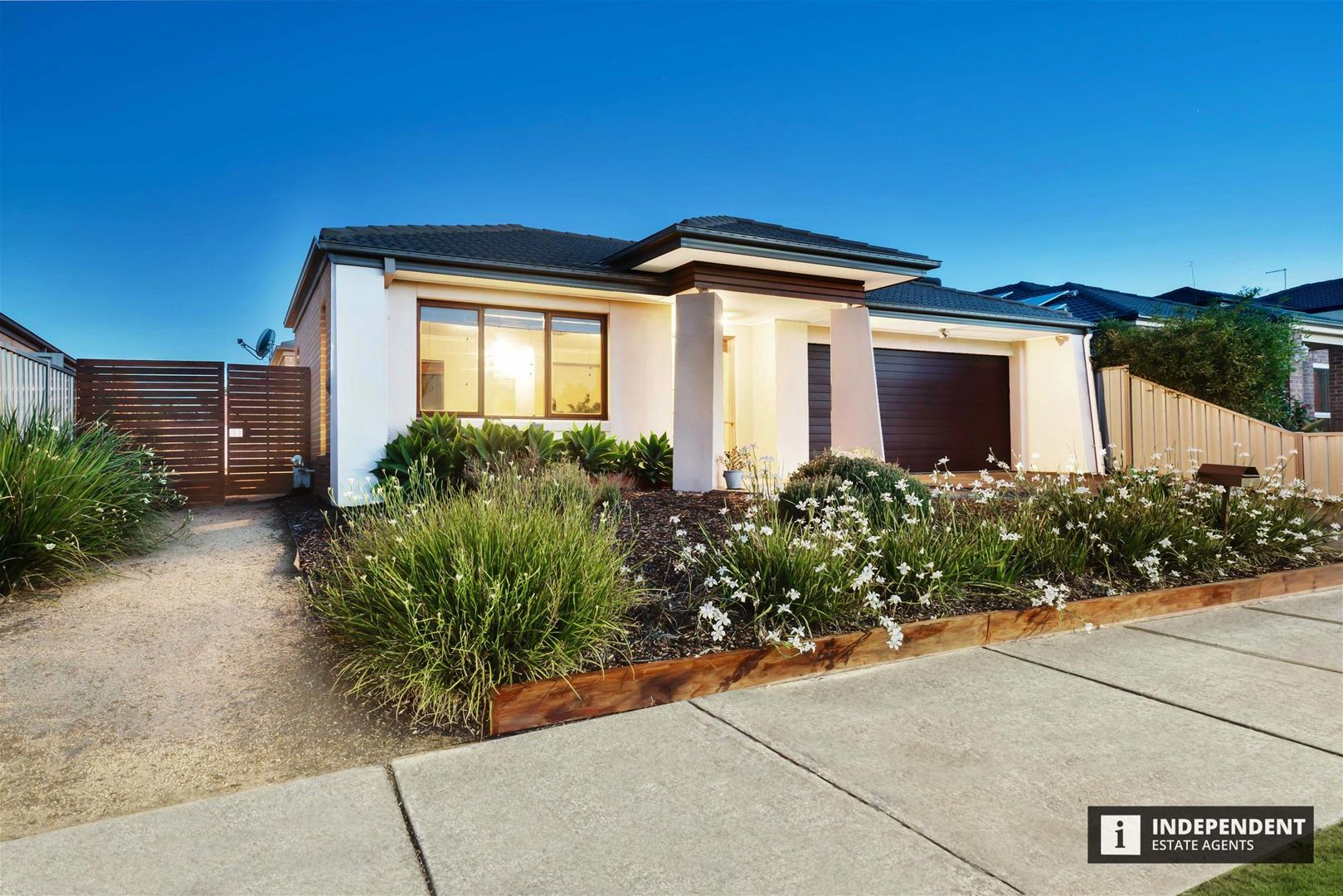 8 Waterhaven boulevard, Point Cook VIC 3030, Image 1