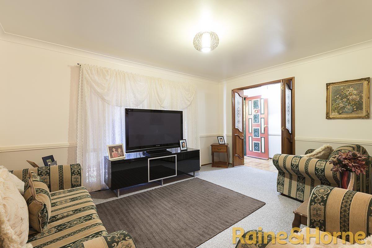 12 Epsom Avenue, Dubbo NSW 2830, Image 1