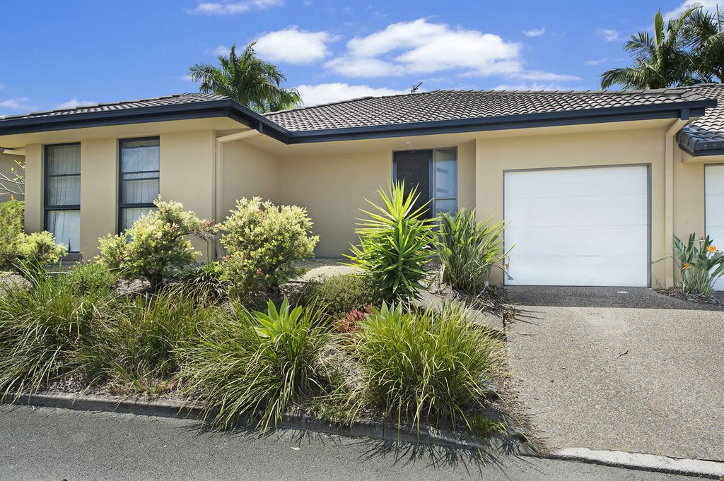 11/136 Pacific Pines Boulevard, Pacific Pines QLD 4211, Image 0