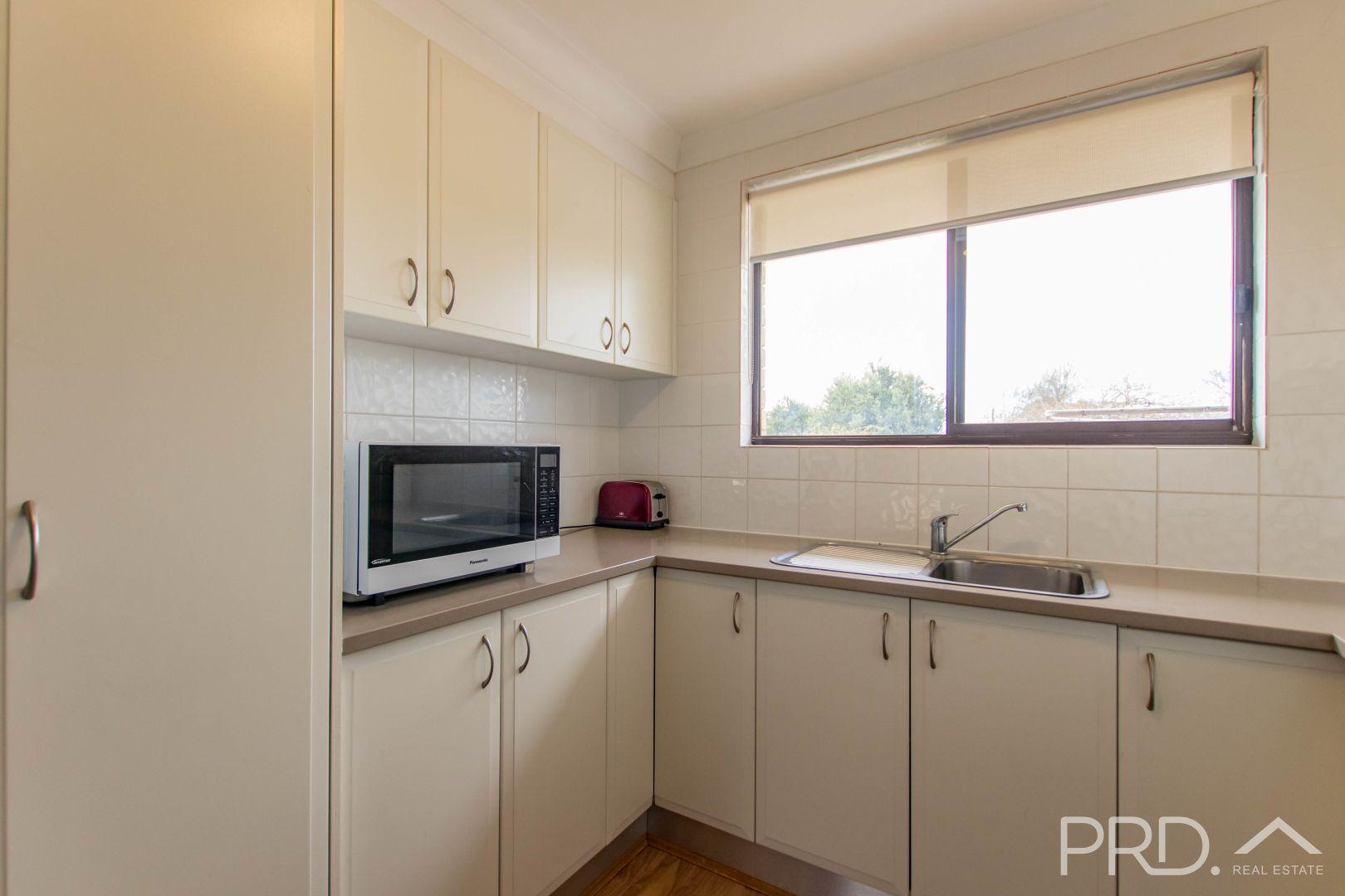 11/32-34 Bundara Crescent, Tumut NSW 2720, Image 2