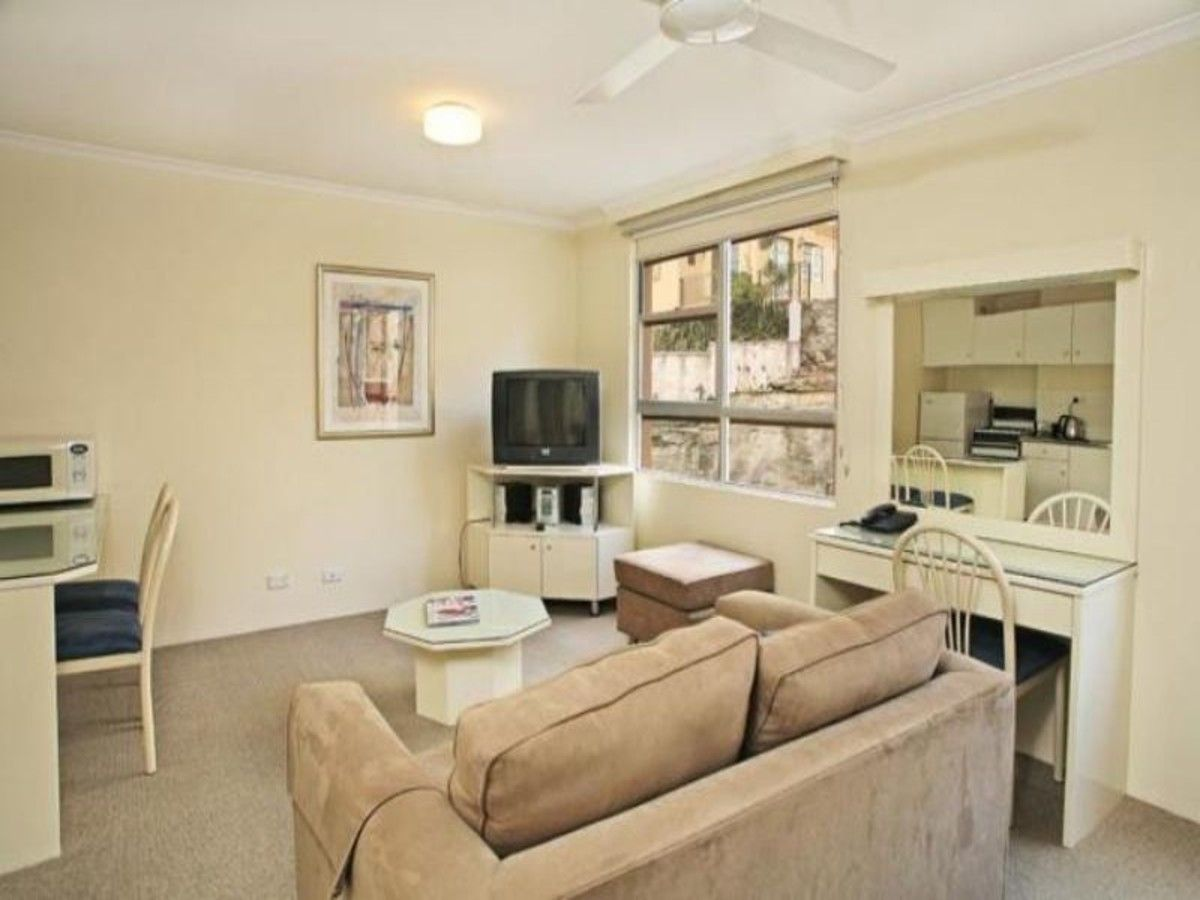 12/2A Henry Lawson Avenue, Mcmahons Point NSW 2060, Image 1