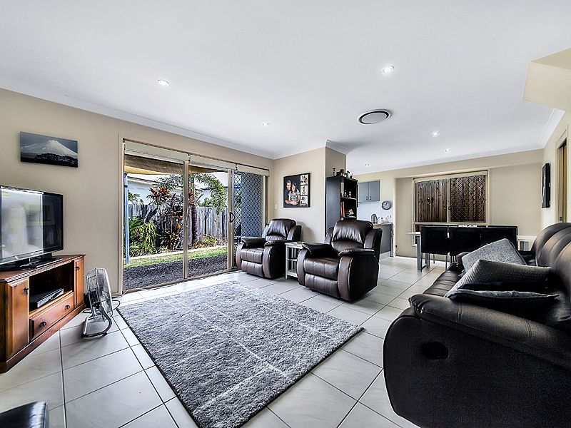 31/11 Tripcony Place, Wakerley QLD 4154, Image 2