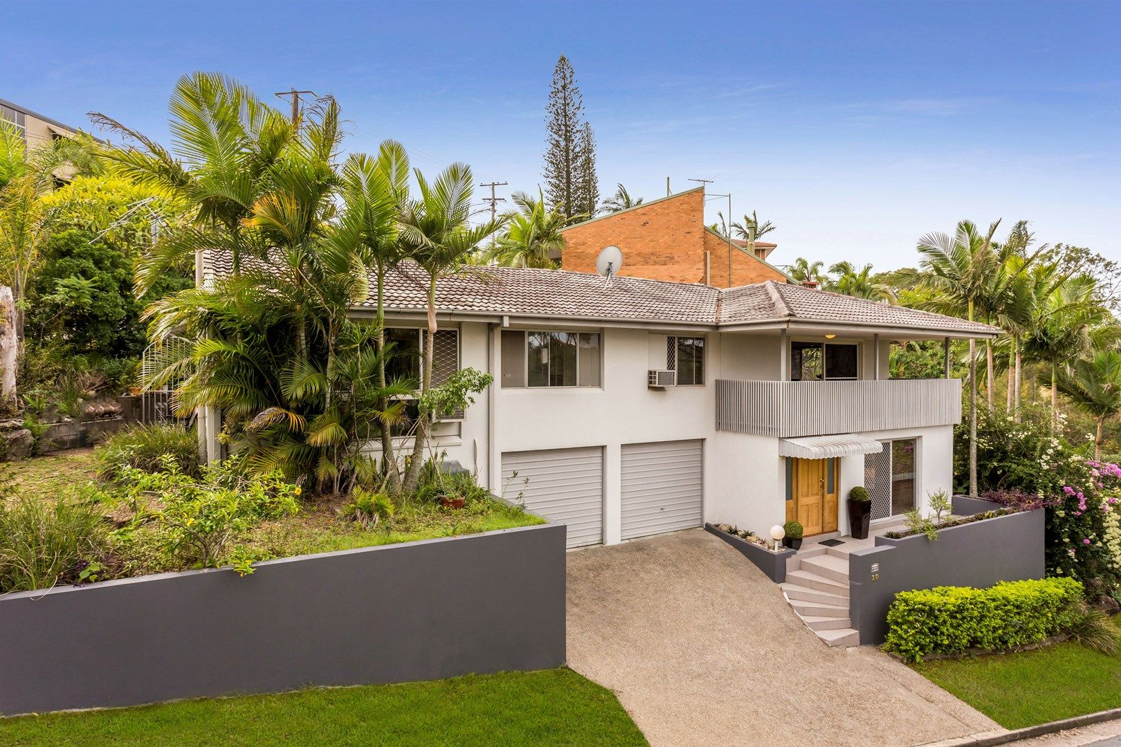 10 Cluden Street, Holland Park West QLD 4121, Image 0