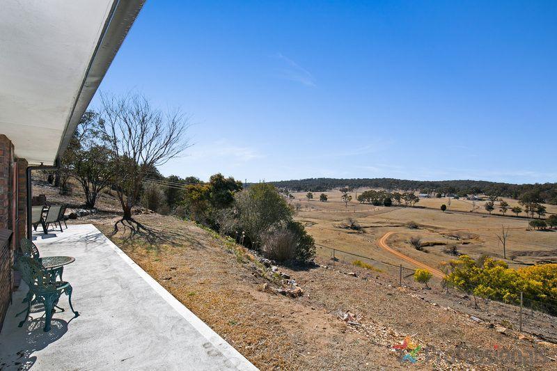 17 Herbert Park Road, Armidale NSW 2350, Image 2