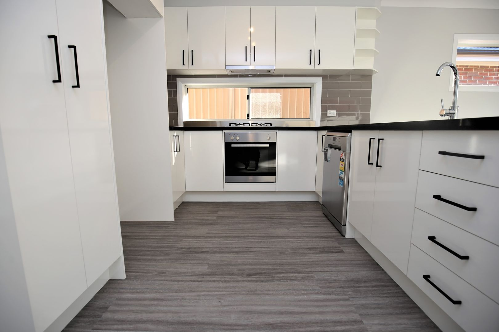 35A Seymour Street, Bathurst NSW 2795, Image 2