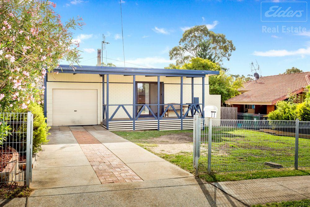 11 Boronia Crescent, Karabar NSW 2620, Image 0