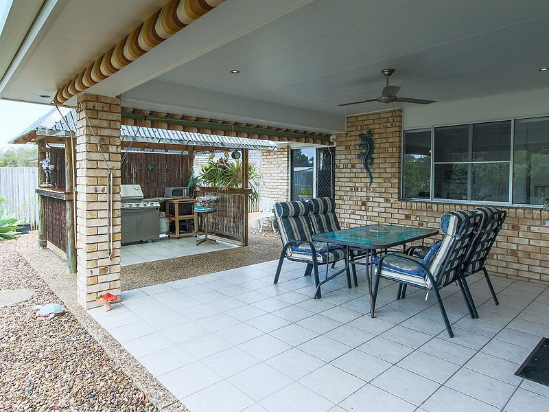 36 Spinnaker Drive, Point Vernon QLD 4655, Image 2