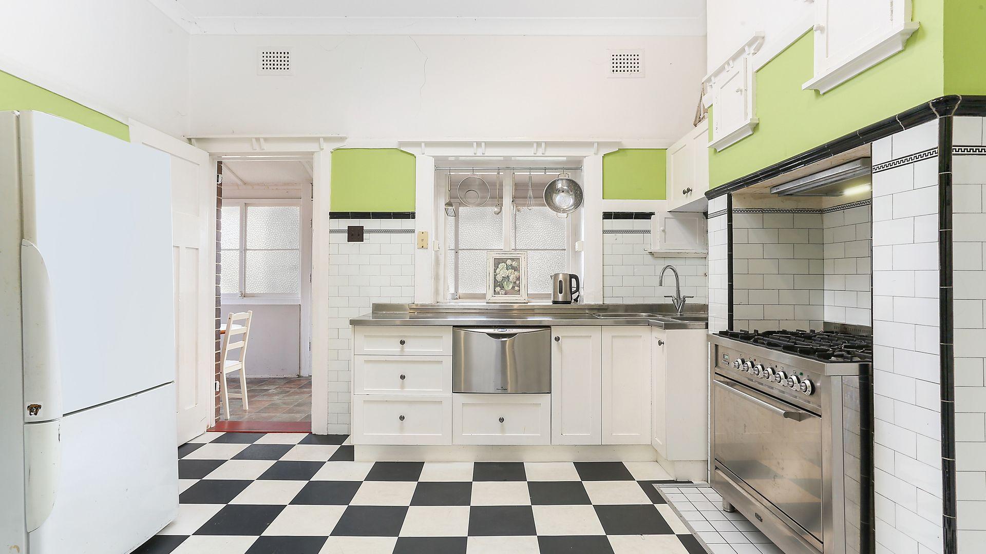 16 Dixson Avenue, Dulwich Hill NSW 2203, Image 2