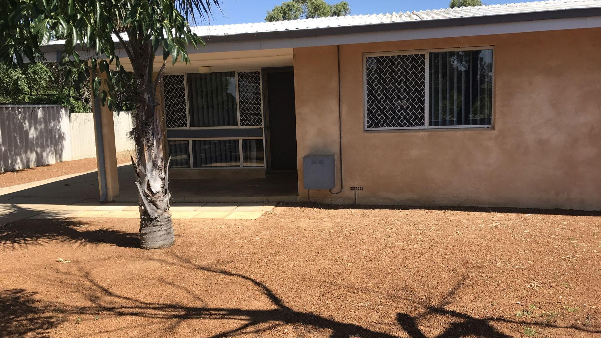 24 Adelaide Street, Waggrakine WA 6530, Image 1