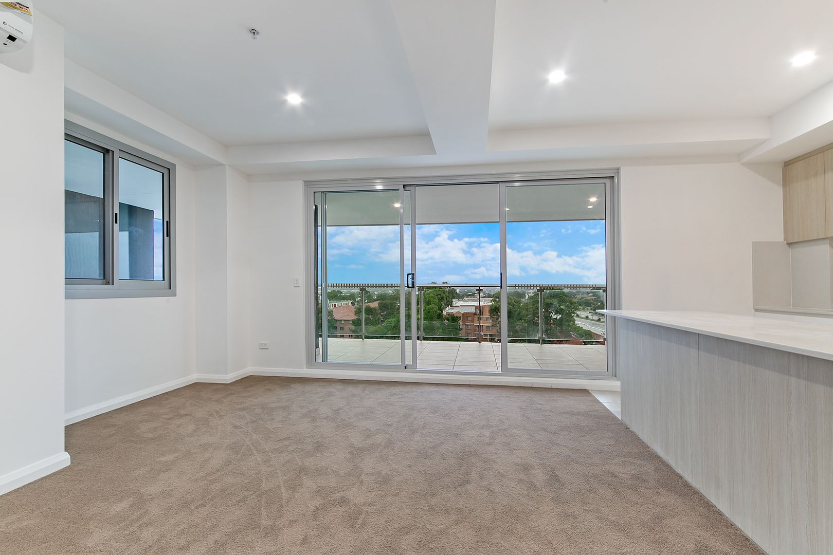 603/5 Second Avenue, Blacktown NSW 2148, Image 2