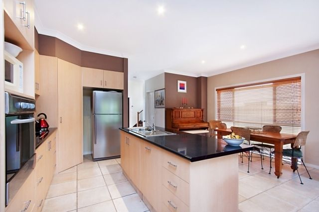 Tabilban Street, Burleigh Heads QLD 4220, Image 1