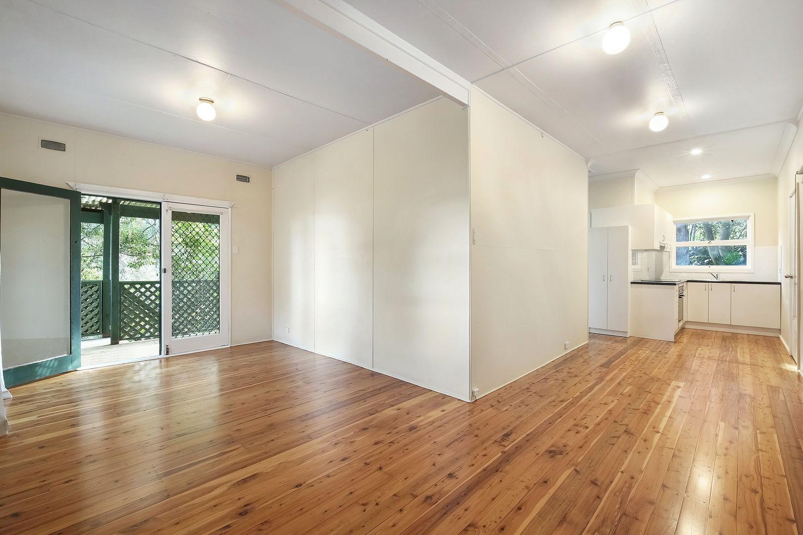13 Melaleuca Crescent, Tascott NSW 2250, Image 2