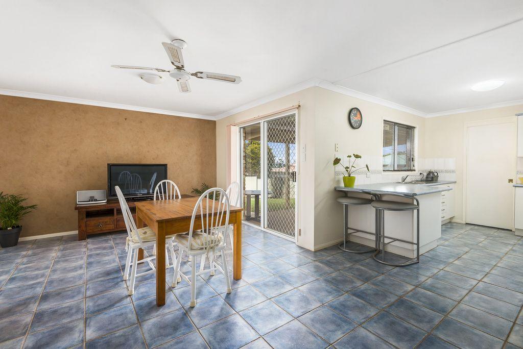 10 Saratoga Close, Wilsonton QLD 4350, Image 2