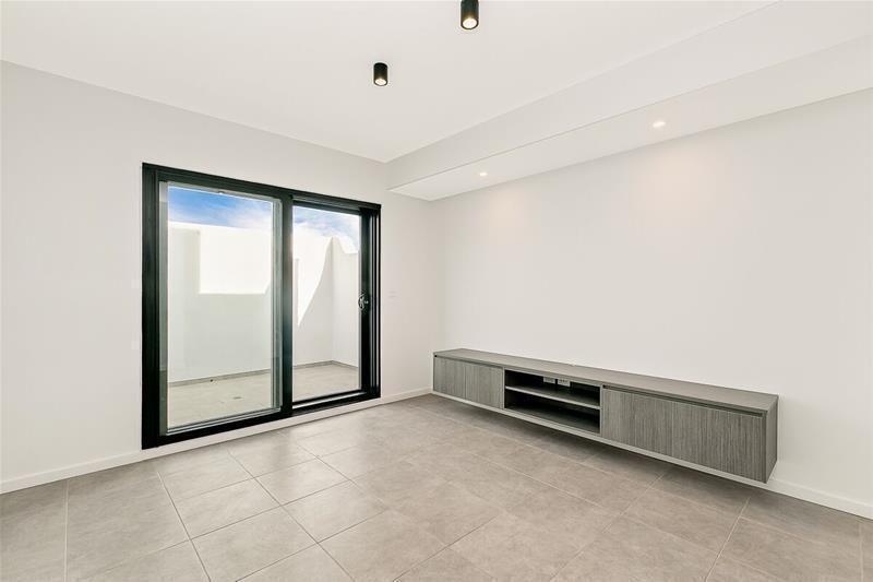 301/65-69 Addison Road, Marrickville NSW 2204, Image 2