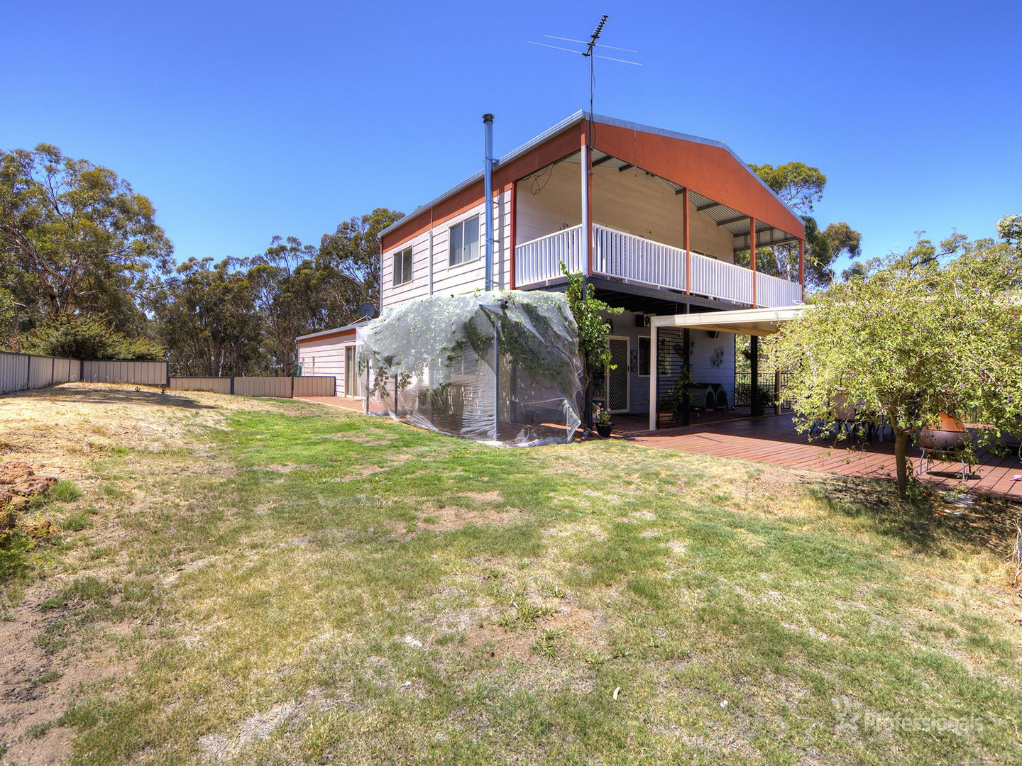 215 Almond Avenue, Bakers Hill WA 6562, Image 0