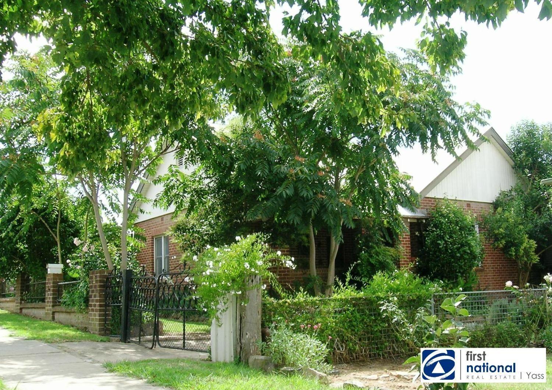 19 Mont Street, Yass NSW 2582, Image 0