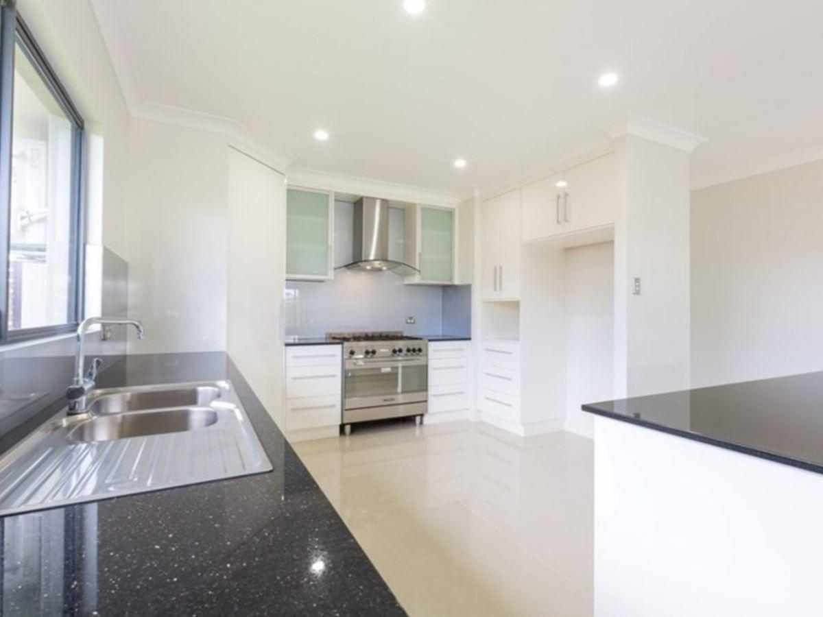 16 Reid Crescent, Innisfail QLD 4860, Image 2