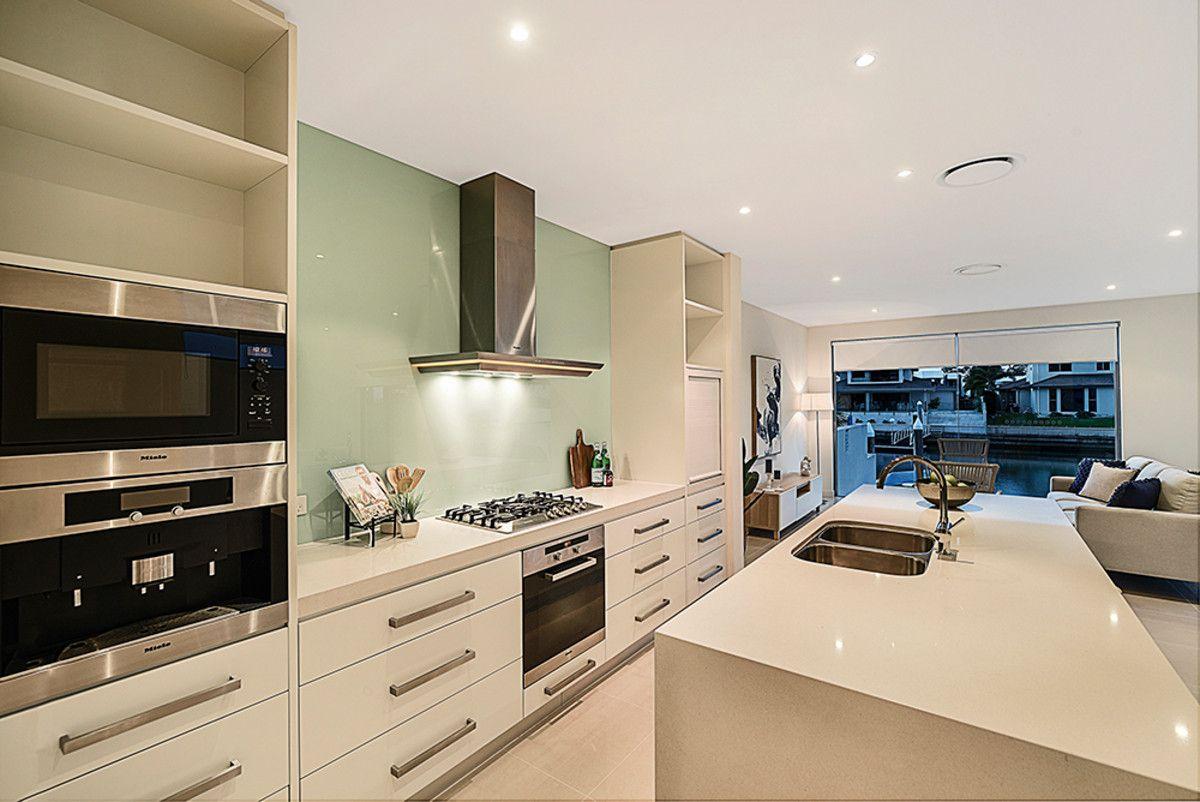 2/19 South Quay Drive, Biggera Waters QLD 4216, Image 2