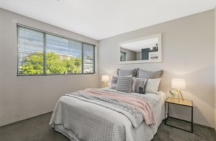 Picture of 1/72 Kitchener Street, Coorparoo QLD 4151