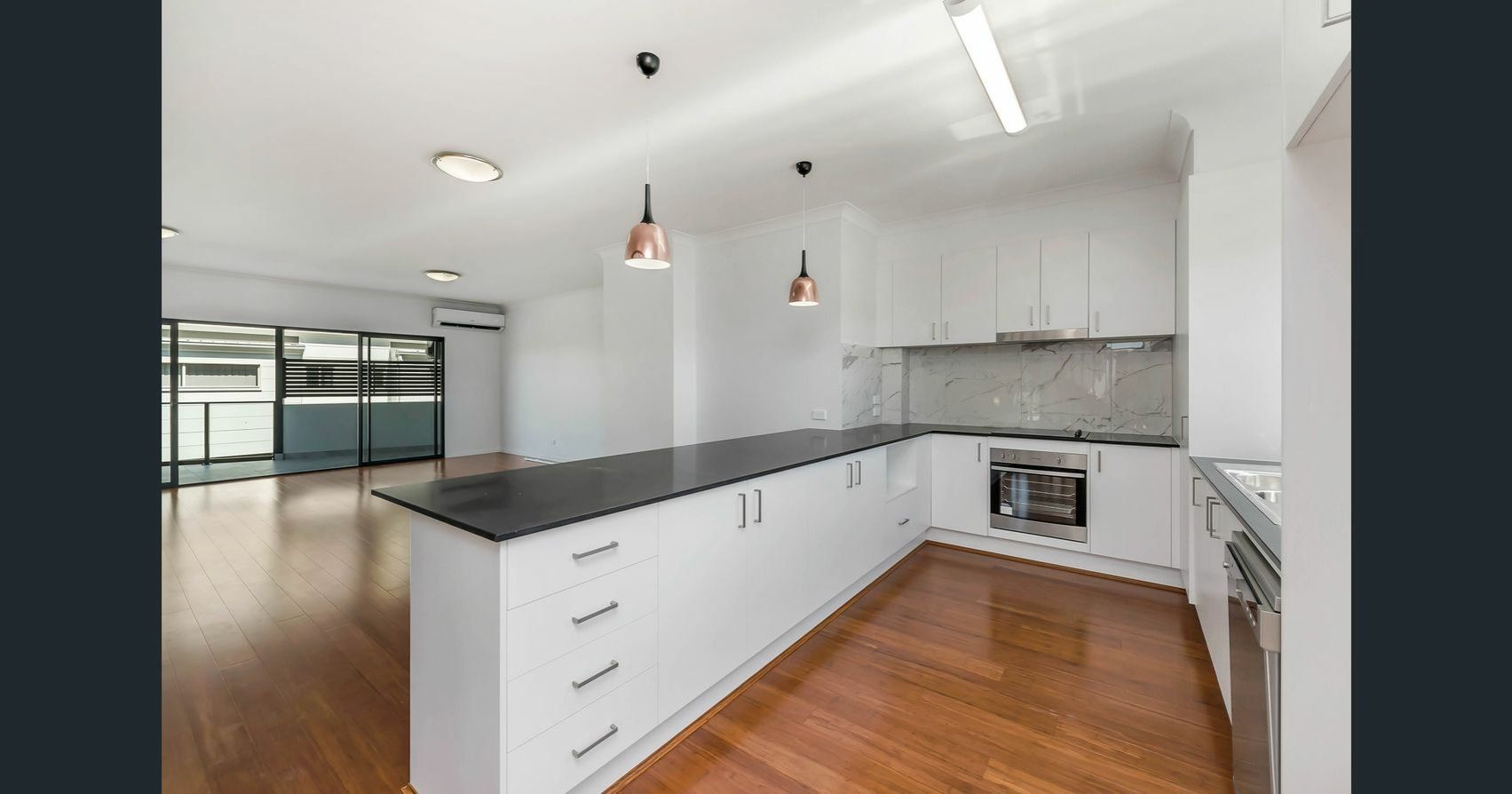 3/15 Pickwick Street, Cannon Hill QLD 4170, Image 2