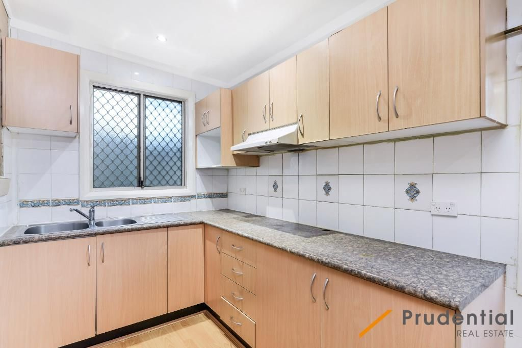 39 Thistle Circuit, Green Valley NSW 2168, Image 2