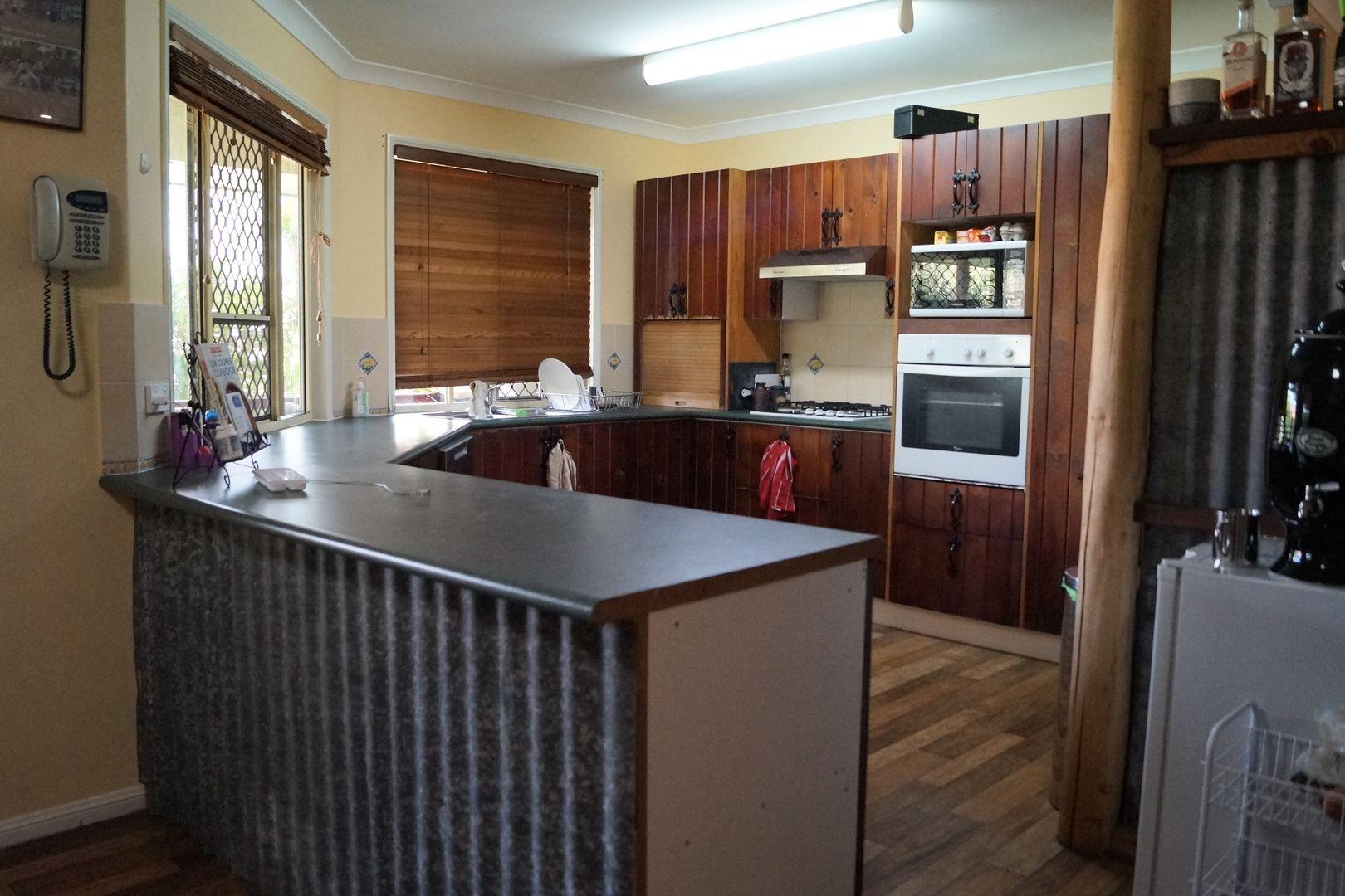 5 Callaghan Street, Emerald QLD 4720, Image 2