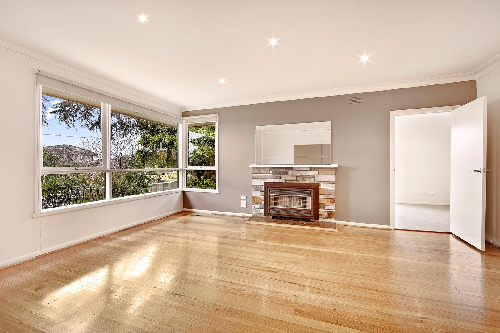 8 Ithaca Court, Chadstone VIC 3148, Image 0