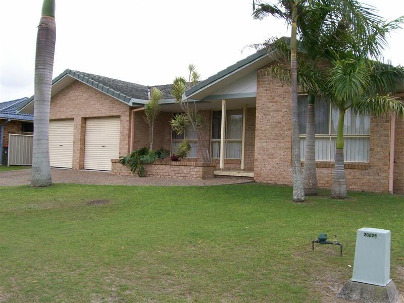 17 Casuarina Close, Yamba NSW 2464, Image 0