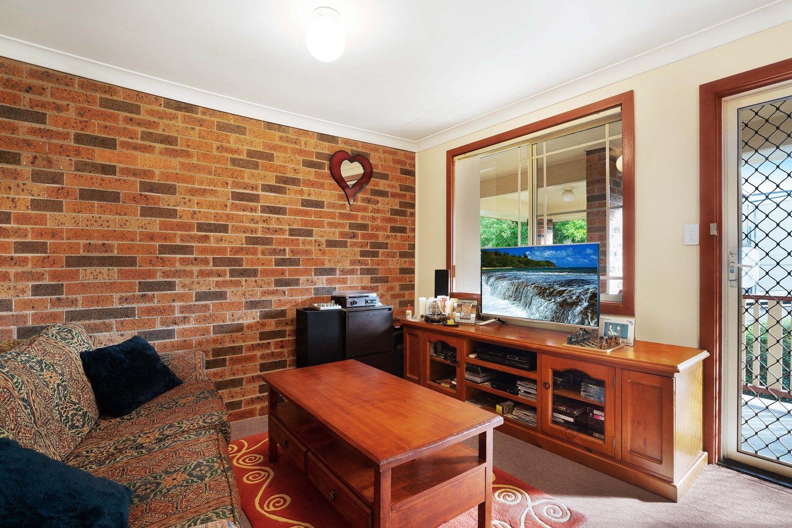 4/107 Denison Street, Hamilton NSW 2303, Image 2