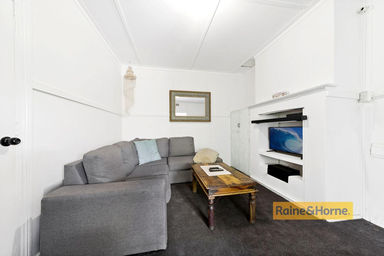 1/52 Mullbong Road, Blackwall NSW 2256, Image 1