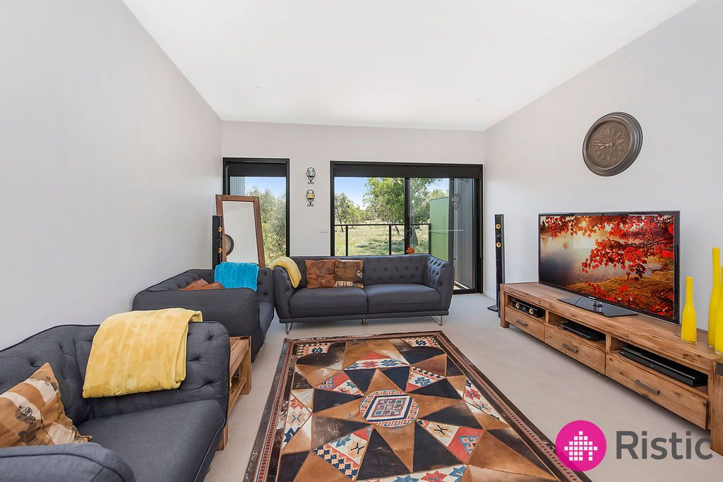 25 Albany Road, Mill Park VIC 3082, Image 1