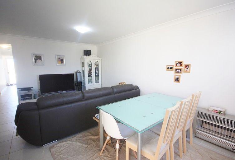 98 Ingleburn Gardens Drive, Bardia NSW 2565, Image 2