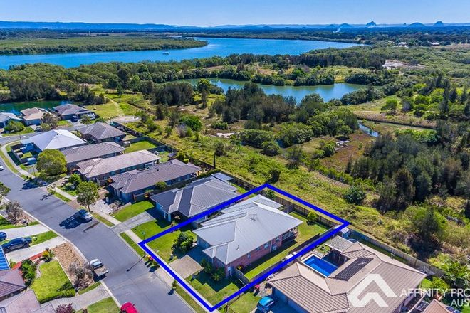 Picture of 30 Adam Street, BEACHMERE QLD 4510