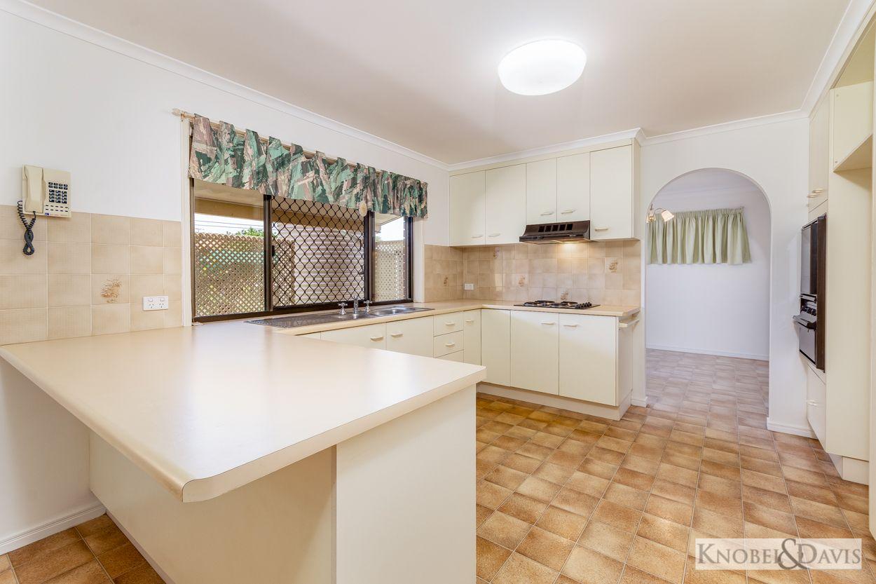 23 Emu  Walk, Bongaree QLD 4507, Image 2