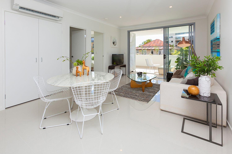 203/17-19 Isedale Street, Wooloowin QLD 4030, Image 2