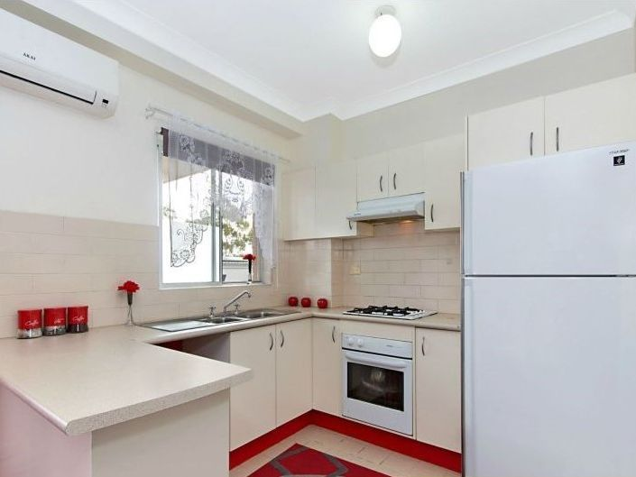 24/11-13 Fourth Avenue, Blacktown NSW 2148, Image 2