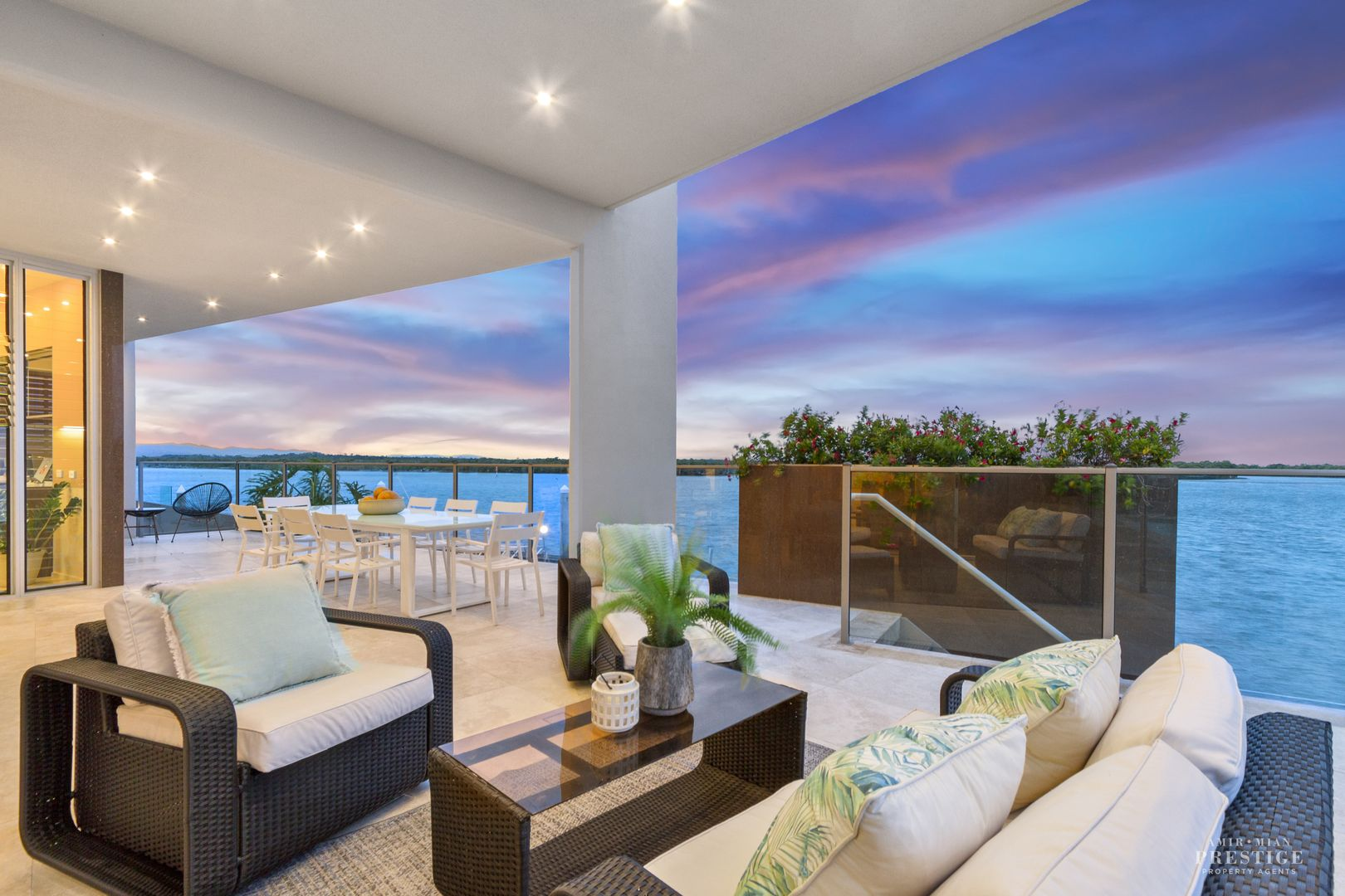 27 Knightsbridge Parade West, Sovereign Islands QLD 4216, Image 0