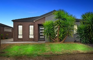 Picture of 2/3 Scarborough Crescent, Harkness VIC 3337